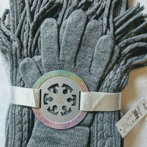 New York & Company Gift Gloves Scarf Set